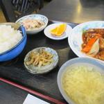 83855298 - 酢豚定食900円+ご飯大盛り50円