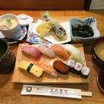 美代寿司 - 美代寿司のランチ(並) 1080円