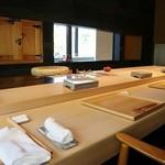 鮨 麻生 平尾山荘 - ランチ6,000円コースで