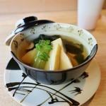 鮨 麻生 平尾山荘 - 春の炊き合わせは鯛&春野菜
