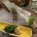 魚貝三昧 げん屋 - 活きイカお造り