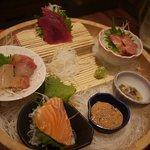 くすお - くすお盛りは魚の刺身や馬刺し・塩辛などがワンプレートに乗っております
