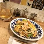 バンコク屋台 飯と酒 トゥクトゥクトウキョウ - パッタイ