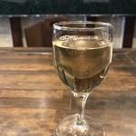 GEEEK - グラスワイン白、ランチのセット内のワインです(2018.4.9)