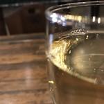 GEEEK - 白ワインの輝きって、小宇宙だなって思います(2018.4.9)