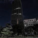 太華 - 大厦高樓(たかどの)に映(うつ)る東京電波塔(とうきやうでんぱたふ)