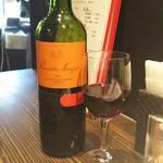 イタリア大衆食堂 堂島グラッチェ - プエンテ赤ボトル