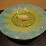 83881039 - グリーンピースと抹茶のスープ、フォアグラのムース