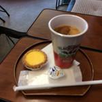 香港時間 - 「香港時間セット」奶茶&蛋撻は丁寧な作り! 写真はボケボケですが、味はイケイケです。