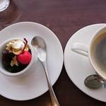 カフェ・ド・あいどる - 抹茶ゼリー・珈琲(炭焼きブレンド)