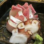 柚 - お刺身の盛り合わせ。 カンパチ・シマアジ・タコです。