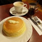 サンシャイン - ホットケーキセット780円