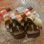 83892821 - 上箱寿司と鯖姿寿司です♪