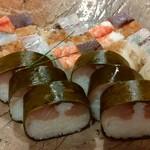 83892826 - 上箱寿司と鯖姿寿司です♪