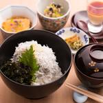 お料理 とみやま - 料理写真:釜揚げしらす丼御膳 1380円税込