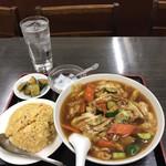 林さんの台所 - どデカイお椀に入った中華麺
