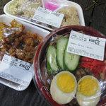 やり田 - バラ丼、あさりめし ¥150、若鶏から揚 ¥200-