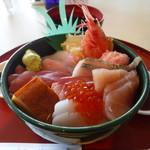 シーフードレストラン うおっせ - 海鮮丼2