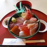 シーフードレストラン うおっせ - 海鮮丼1