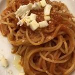 83922299 - モッツァレラチーズとバジリコのトマトソース スパゲッティ