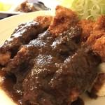 洋食ますだ - 鶏、モモ肉です、濃く見えるデミグラスソースも意外にあっさり、鶏の繊細さを壊しません(2018.4.10)