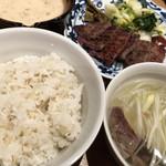 肉匠の牛たん たん之助 - 自然薯定食(肉増し)