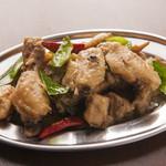 タイ東北モーラム酒店 - 一番人気のハーブ蒸し鶏