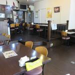 ヒマラヤインドレストラン - 店内。