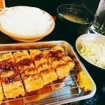 水曜日限定 国産豚生姜焼き定食/国産豚カツ定食【税込500円】
