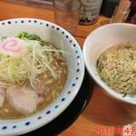 中村商店 - 鶏豚骨と半チャーハン