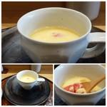 83948135 - ◆くずしトマト&ブルーチーズ入り茶碗蒸し トマトの酸味が強くないので、ブルーチーズの風味を感じて美味しい。