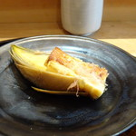 83948182 - ◆焼き筍(京都産) テールスープの上澄み油を使用して焼かれているの、ほんのりお肉の味わいもして美味しい。