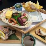 nihonryourioosakaukihashi - 【造り】祝い鯛の花造り 他一種 あしらい一式              【台の物】季節の口取り、さわらの白酒焼、白魚掻き揚げ