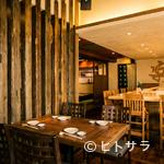 スシイザカヤ 楽 ハワイ - 好アクセス、落ち着ける雰囲気、美味しい料理とお酒