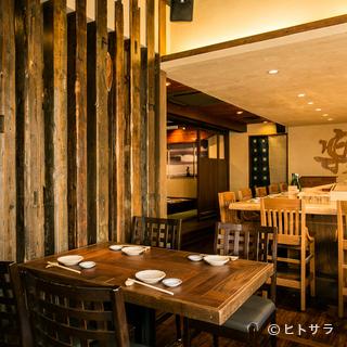 好アクセス、落ち着ける雰囲気、美味しい料理とお酒