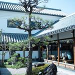 だしと麺 - 日本庭園風のお庭
