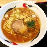 駅ナカ食堂 なの花 - 正油ラーメン570円