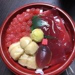プティメルヴィーユ - ミニスイーツ丼