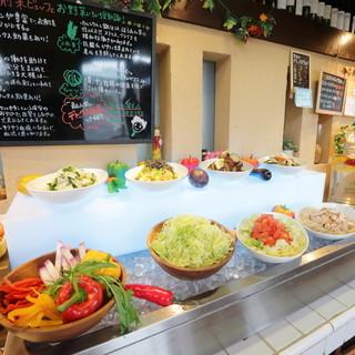地元農家さんの三島野菜食べ放題!前菜ビュッフェも◎