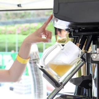 屋外でのビールは格別!