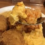 洋食の藤 - トロトロ卵のオムライス、中はケチャップのチキンライスです(2018.4.11)