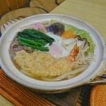 むらたや - 料理写真:鍋焼きうどん [¥750]