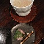 無雙庵 枇杷 - 料理写真:チェックイン時のお茶&お菓子