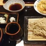 石挽き手打ち 一葉 - 天せいろ コシもあり香りも良くとてもおいしいです。 天ぷらもサックリで◎