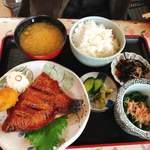 キッチン食堂 城山 - 焼き魚定食(メヌケ)