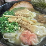 雲呑房 麺家 - 五目雲呑麺 2011/06