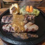 ウッドストック - 料理写真:ラージハンバーグセット(ガーリックソース)