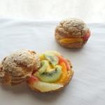 ホテルグランヴィア大阪 ロビーラウンジ - 6種フルーツのシュークリーム