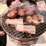七輪焼肉 安安 - 料理写真:ランチ食べ放題1390円(税別)