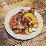 MUNYA - 大山鶏の骨付きもも肉のソテー